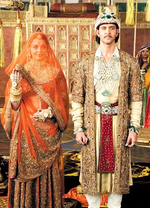 Fuckyeahcostumedramas Bollywood Fashion Aishwarya Rai Wedding Pictures Indian Bridal Outfits Aishwarya rai looking cute in transparent traditional lehengas from hindi movie jodha akbar. indian bridal outfits