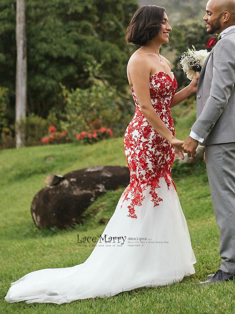 Red Lace Wedding Dress With Ivory Tulle Strapless Sweetheart Etsy Red Lace Wedding Dress Red Wedding Dresses White Bridal Gown [ 1600 x 1200 Pixel ]