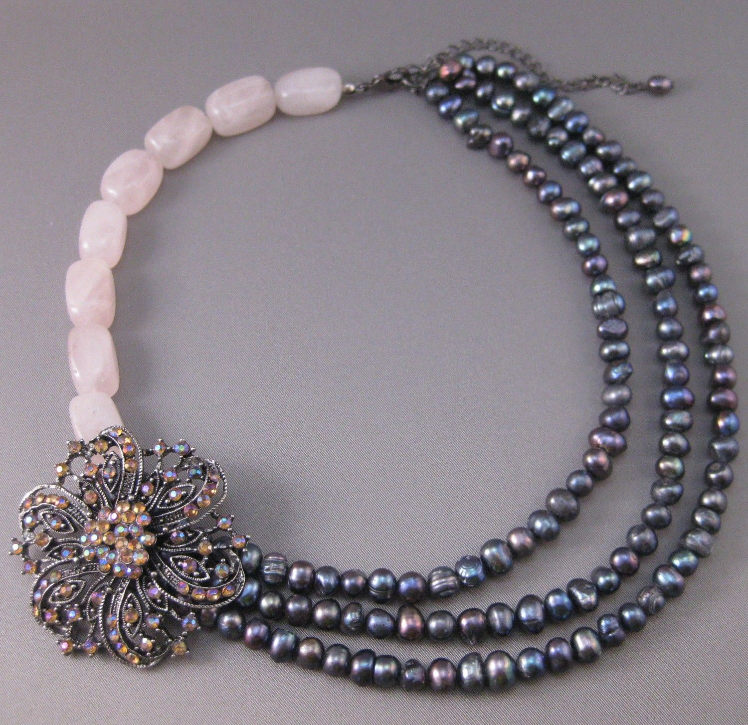 Pearls & Pink - Beaded Necklace.