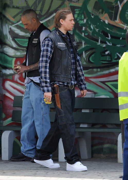 5/29/14 Filming season 7 SOA | Sons of anarchy, Charlie ...