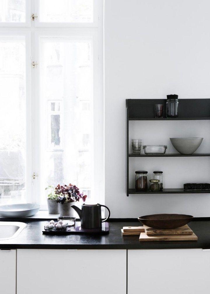 schwarze arbeitsplatte k che pinterest arbeitsplatte schwarzer und k che. Black Bedroom Furniture Sets. Home Design Ideas