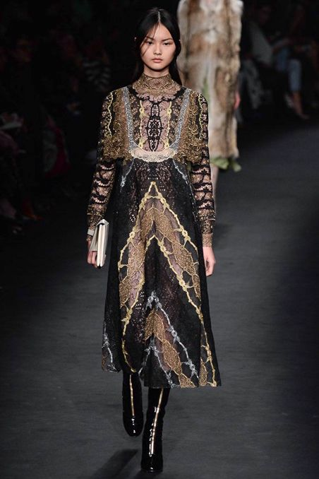 918a725fdf03 Valentino Fall 2015 Ready-to-Wear - Collection - Gallery - Style.com ...