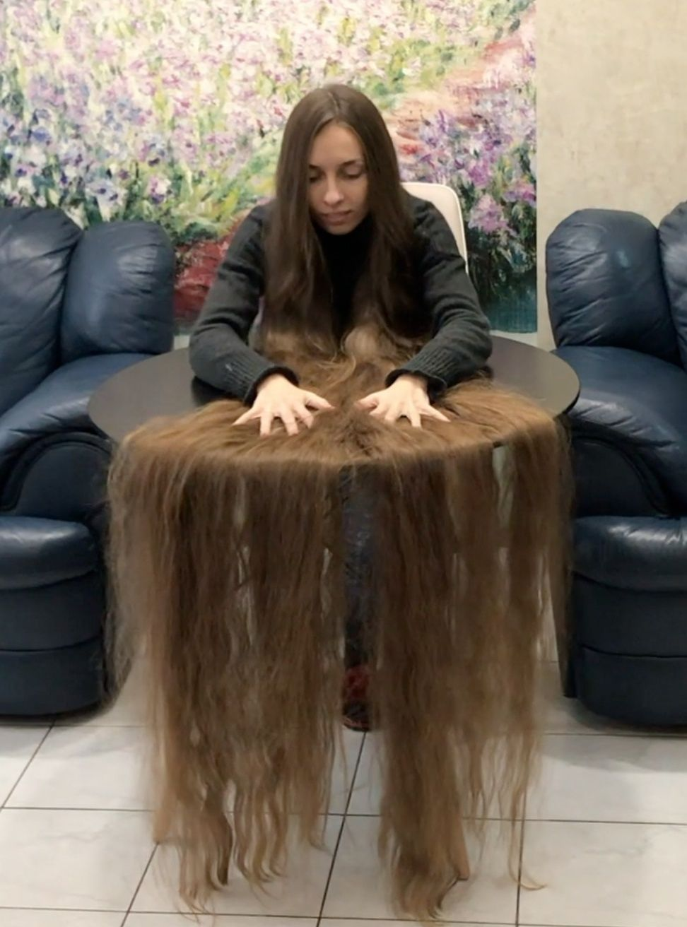 Video Super Hair Play On Table Playing With Hair Long Hair Styles Beautiful Long Hair