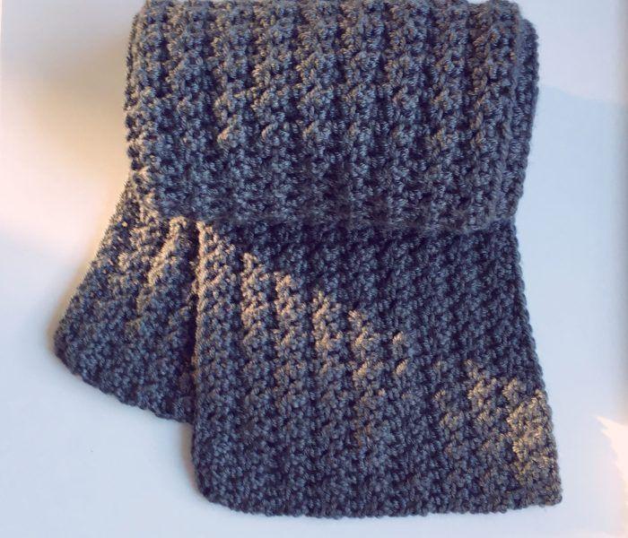 Thank Scrunchie it's Friday! - Free crochet Scrunchie Pattern - Dora Does #crochetscrunchies