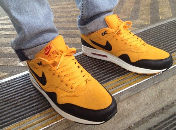 quality design ae7d8 c3202 Nike Air Max 1 Gold Canyon