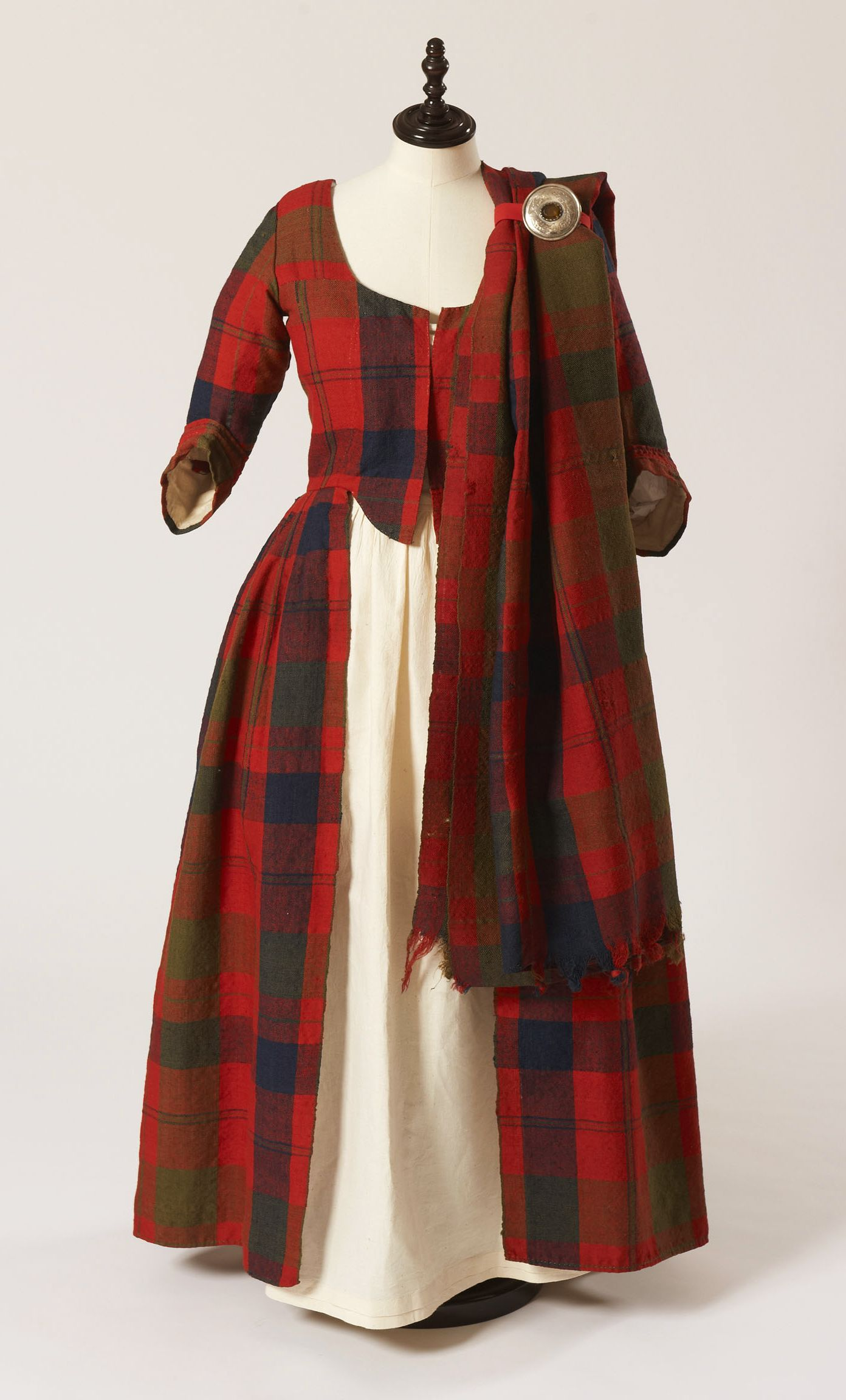 Plaid wedding dress  Traditional Wedding dress ca   lve this  Pinterest