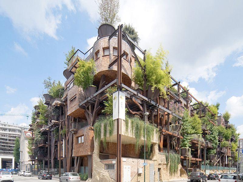 """Calma, isso não é uma casa na árvore gigante no centro de Turim, isso é um belíssimo condomínio com cara de casa na árvore gigante no meio de Turim (mas se fosse uma casa na árvore, literalmente, ia ser legal pra caramba), mas completamente diferente da Maior Floresta Vertical do mundo, também na Itália. Projetado...<br /><a class=""""more-link"""" href=""""https://catracalivre.com.br/geral/fotografia/indicacao/nao-e-mentira-conheca-a-casa-na-arvore-gigante-em-turim/"""">Continue lendo »</a>"""