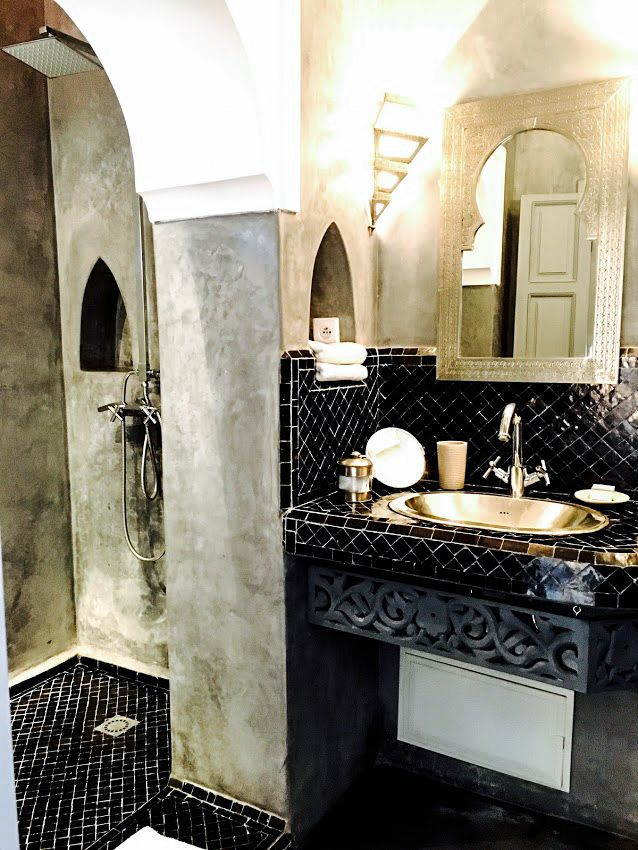 RIAD TAWARGIT MARRAKECH | Kitchens and bathrooms | Riad maroc ...
