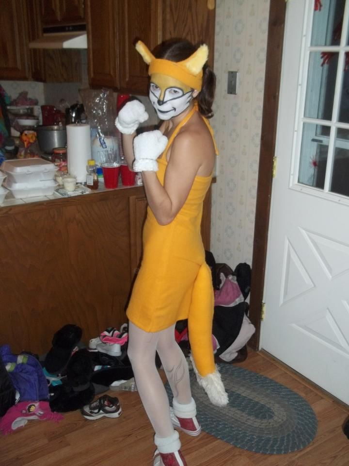 """DIY-Costume Of Miles """"Tails"""" Prower For Sonic The Hedgehog"""