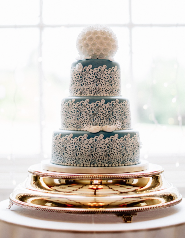 wedding cake idea; photo: Jacob & Pauline Photography