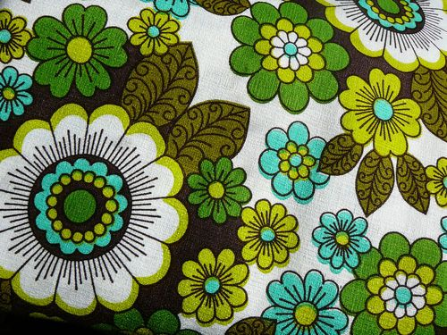 1970s pop flowers green retro HALF YARD Flower fabric