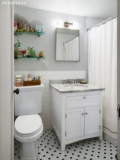 Awe Inspiring Classic New York Apartment Bathroom Google Search Interior Design Ideas Clesiryabchikinfo