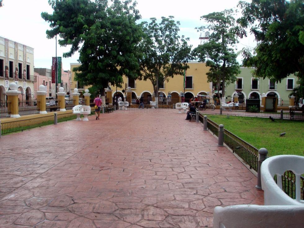 Plaza Francisco Cantón Valladolid 1689071
