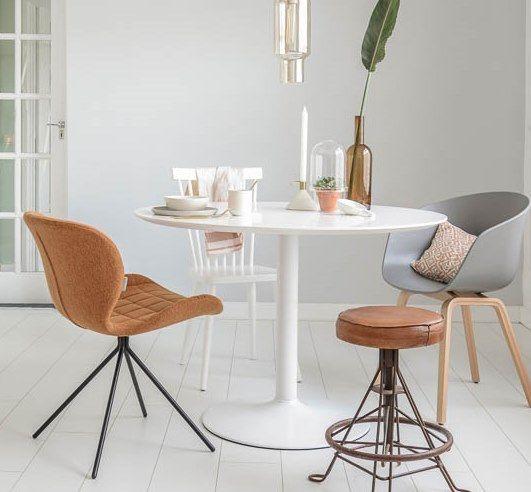 Diningroom white grey cognac hay vtwonen stoelen for Eettafel stoelen cognac