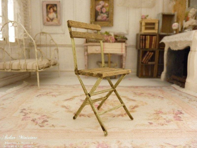 Miniature chaise pliante rouillée, Jardin romantique, Bois et papier ...