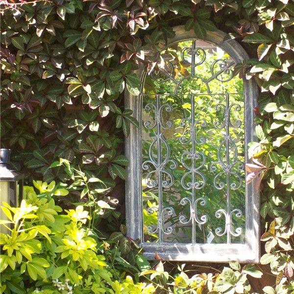 несколько старые оконные рамы в дизайне сада фото приятно