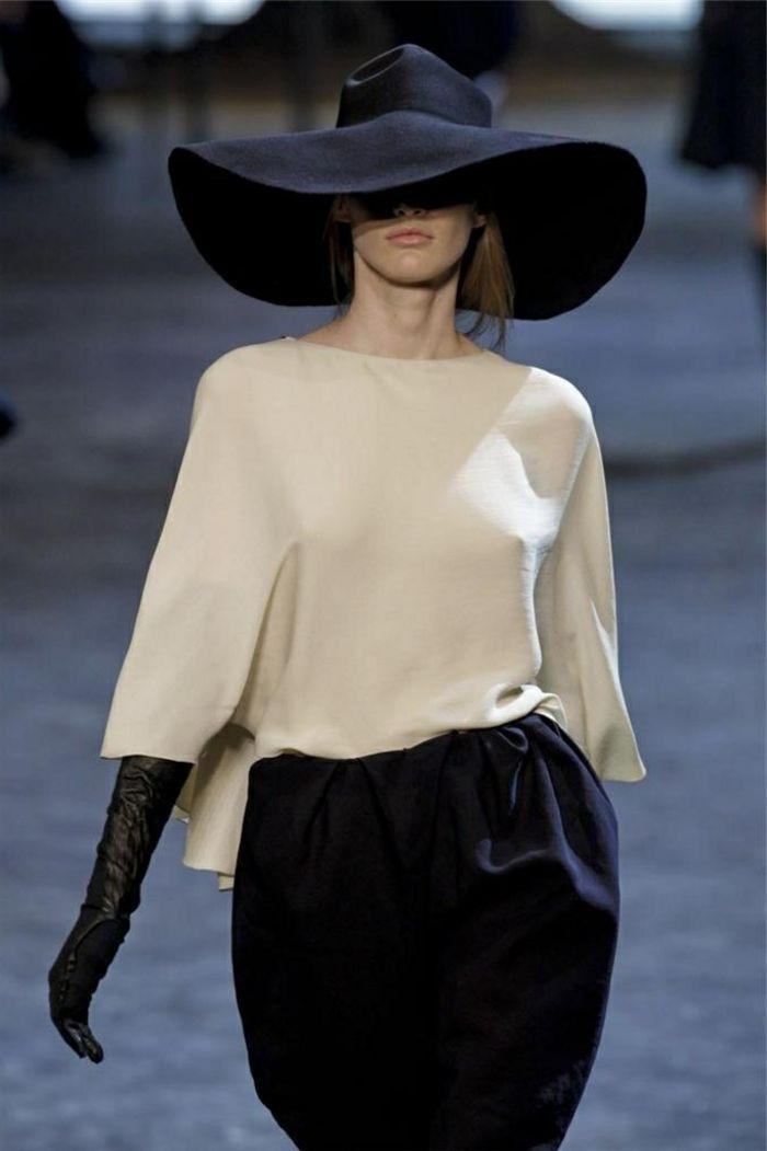 comment porter la capeline noire 65 id es de tenue originale hats pinterest. Black Bedroom Furniture Sets. Home Design Ideas