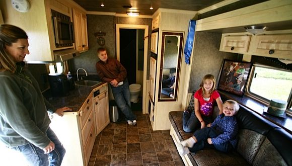 Featherlite Living Quarters Horse Trailer With Family