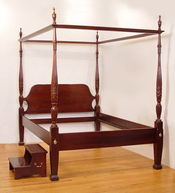76 Queen Size Charleston Type Poster Rice Bed On Bedroom