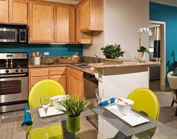 Fully Equipped Kitchens With Top Of The Line Appliances Lovely Apartments Kitchen Apartment Communities
