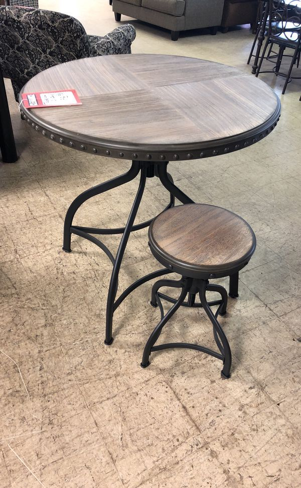 Surprising Dinette And Two Stools 250 For Sale In Charleston Sc Beatyapartments Chair Design Images Beatyapartmentscom