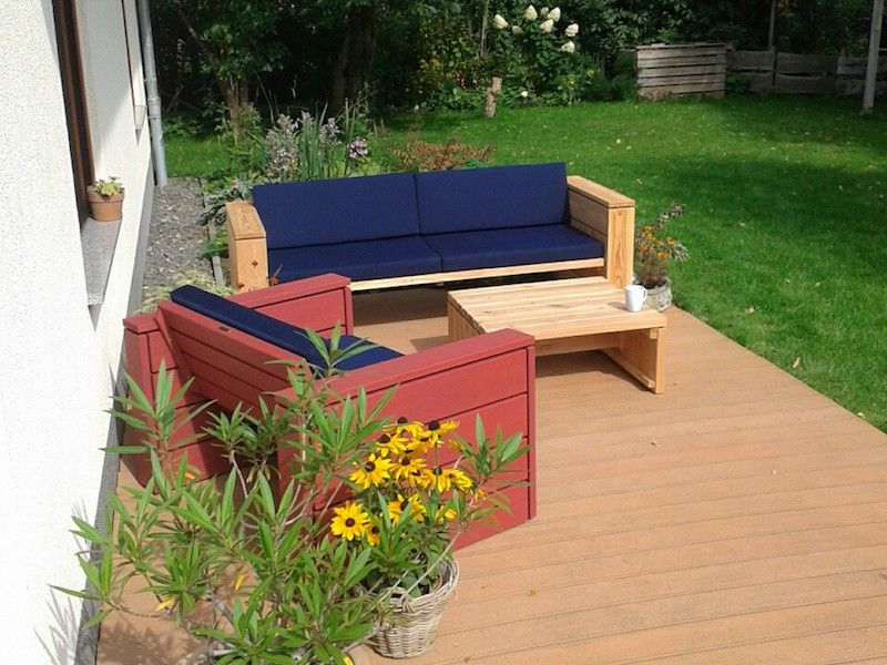 Loungemöbel aus heimischem Holz, inkl Polstern - in verschiedenen