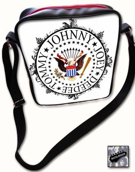 1dd9aa0a71 Bolsa couro sintético Ramones