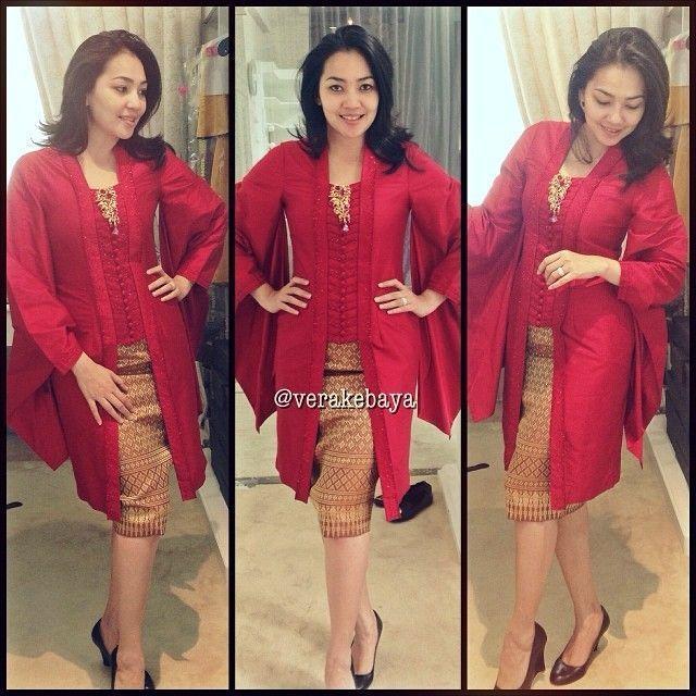 Model Vera Kebaya Warna Merah Modern Terbaru Traditional Dress