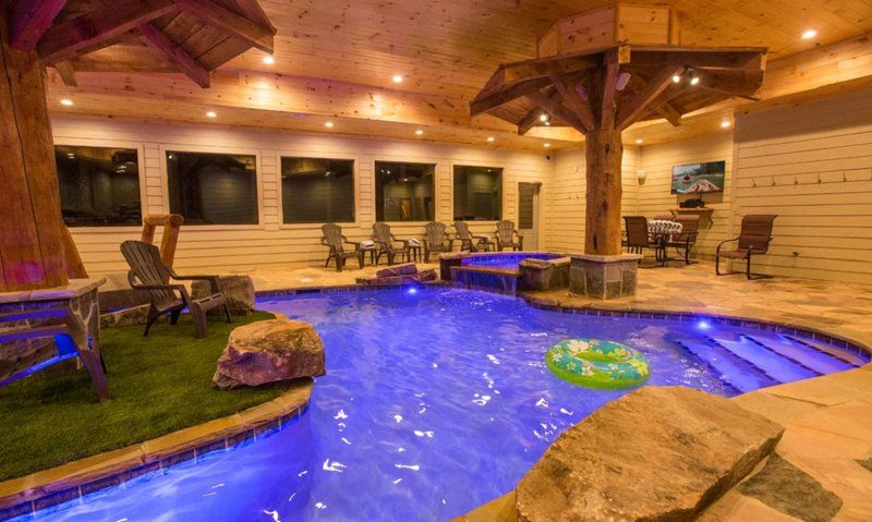Mountain Lodge With An Indoor Pool 6 Bedrooms 7 1 2 Baths Sleeps 24 Updated 2020 Tripadvisor Pigeon For Indoor Pool Cabins In Gatlinburg Tn River Lodge