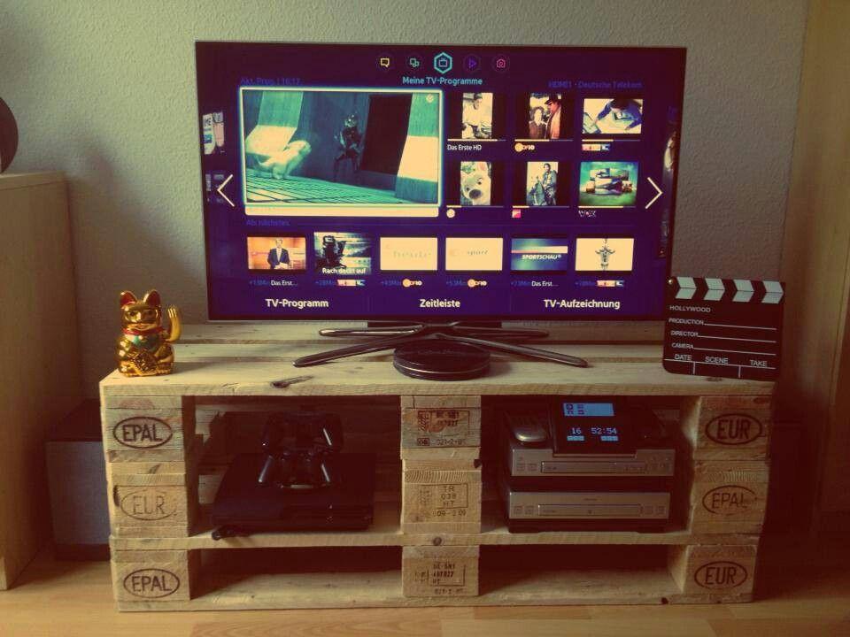 3 paletten und fertig ist die tv bank ideen f r tv board. Black Bedroom Furniture Sets. Home Design Ideas