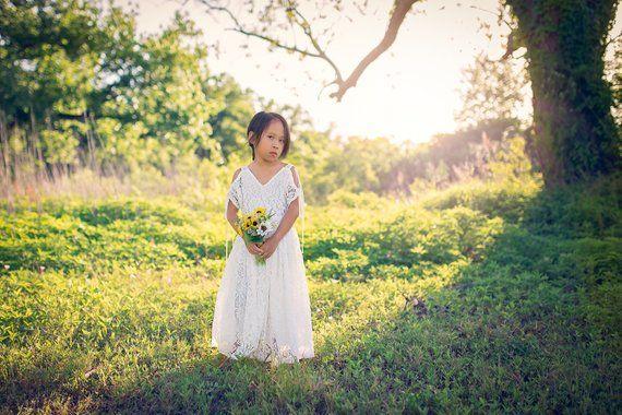 d1f8bf17f5fa Tween Flower Girl Lace Dress Bohemian Junior Bridesmaid White Maxi Dress  Boho Vintage Lace Beach Col