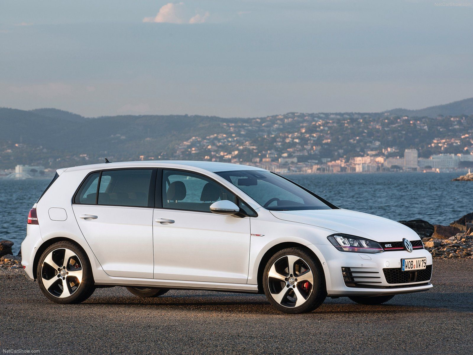Volkswagen Golf GTI Photos And Specs Photo Prices 25 Perfect Of