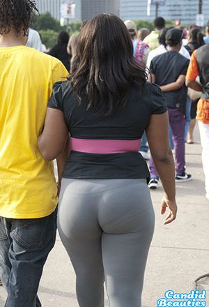 Big ass leggings