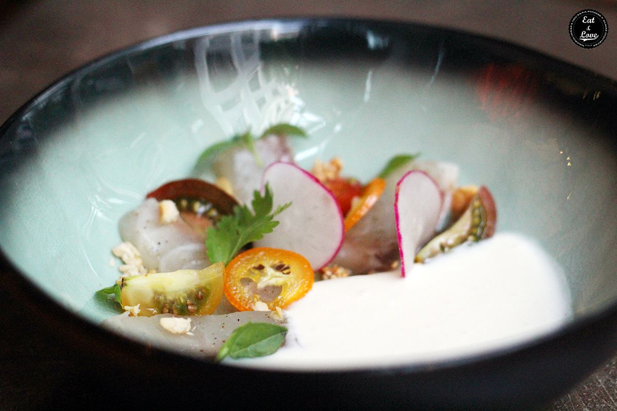 Sashimi de lubina curada con coco - 47 ronin restaurante Madrid