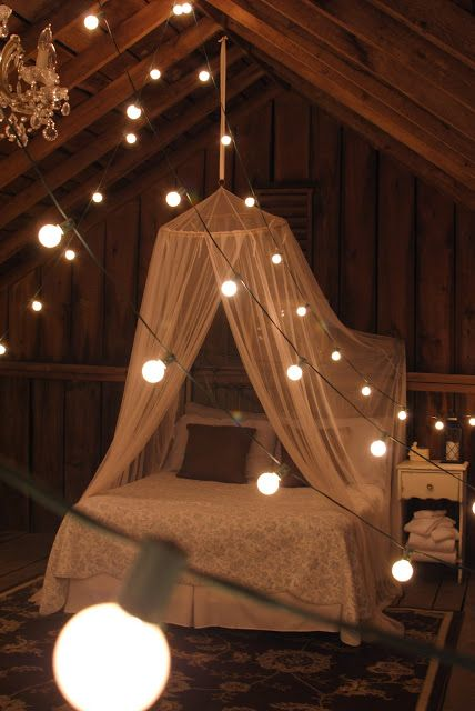 A cute litte room in a barn loft. I would never leave.