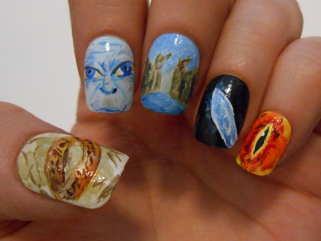 LOTR nails by ~henzy89 on deviantART Wow, whoever did this was ...