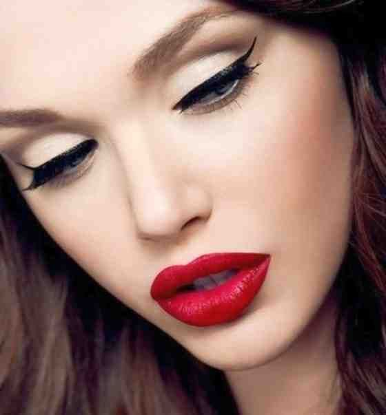 Pin up makeup tutorial for blondes and brunettes - YouTube