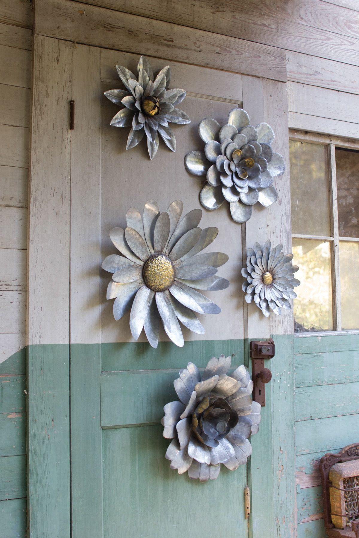 Kalalou Galvanized Metal Flower Wall Hangings Set Of 5 In 2021 Metal Flowers Scrap Metal Art Metal Garden Art