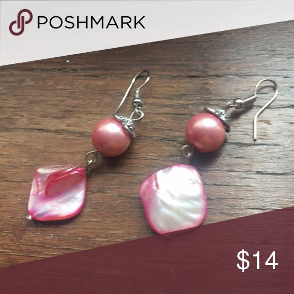 Hammered abalone tear earrings Handmade in bali cute hammered abalone dangly earrings in pink for a cute beach babe vibe. Happy shopping! handmade Jewelry Earrings