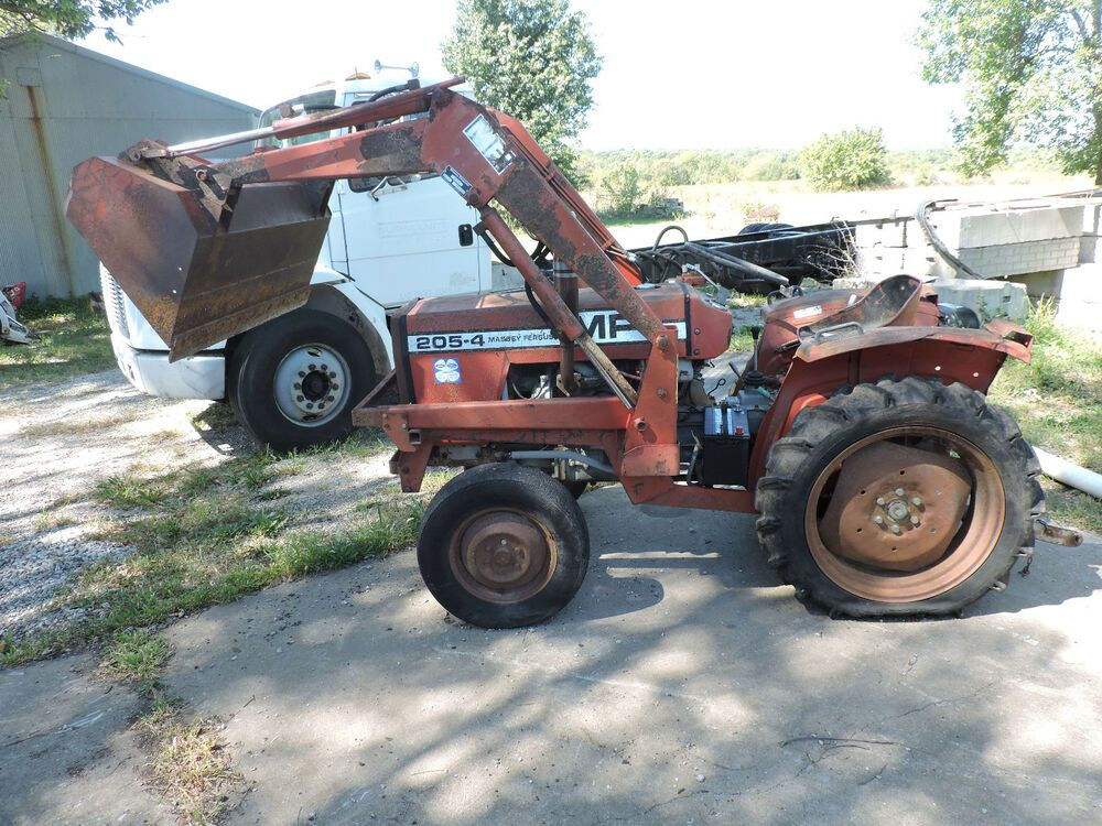 Massey Ferguson 205-4 garden tractor parts  Selling parts off this