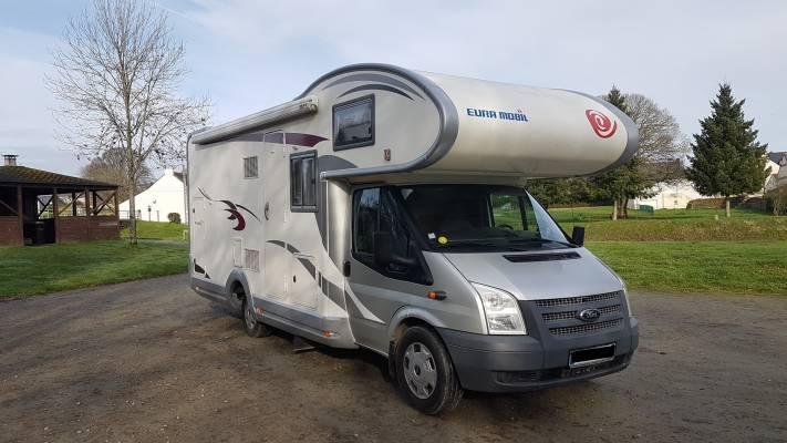 Capucine De 2012 Pour 5 6 Personnes A Saint Gildas Des Bois 44 En 2020 Location Camping Car Camping Car Carte Grise