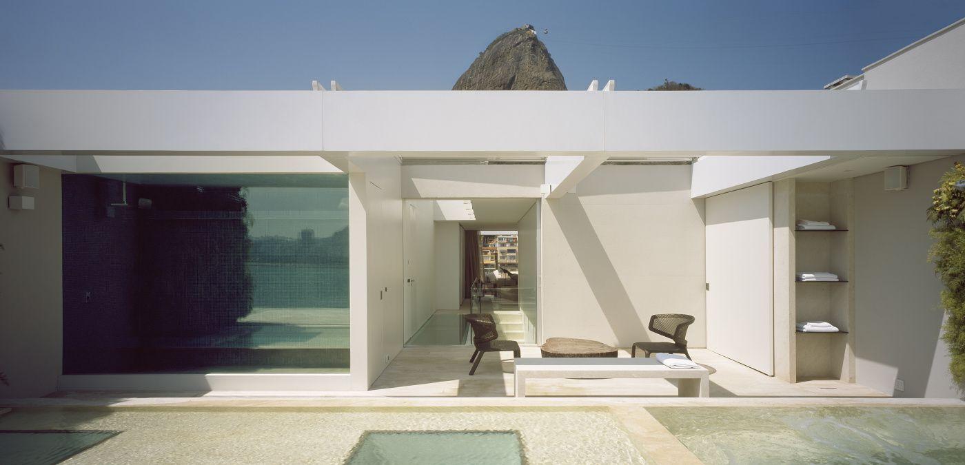 Applause to Brazilian Architect  #theperfectblack> #elizabethbolognino> #interiordesign