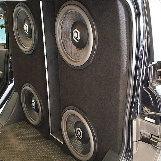 finishing up a custom system in a honda element 4x15 39 s in a massive ported box bring your. Black Bedroom Furniture Sets. Home Design Ideas