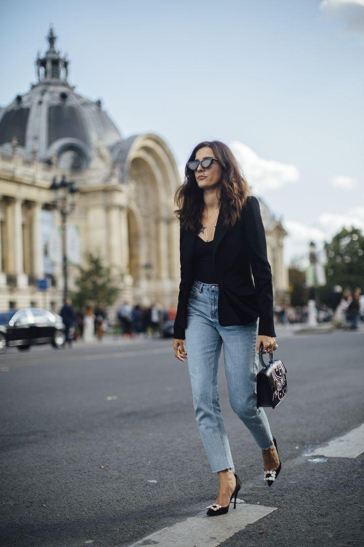Paris Fashion Week Street Style Spring 2018 Day 5 Cont   Cool street fashion, Street style trends, Fashion