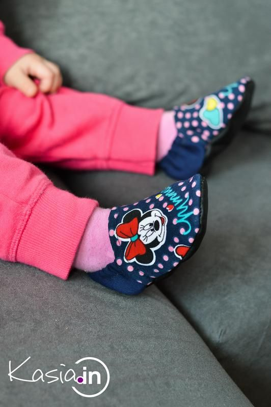 Idzie Luty Podkuj Buty U Nas To Powiedzonko Pasuje Idealnie Uszylam Dla Malej Kilka Par Bucikow Bebe Fashion Shoes