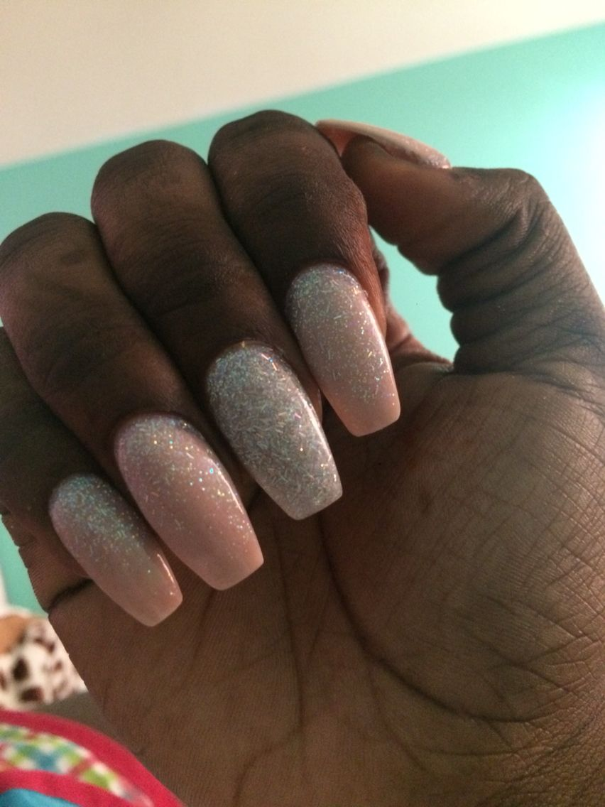 Glitter ombré effect on nude nails