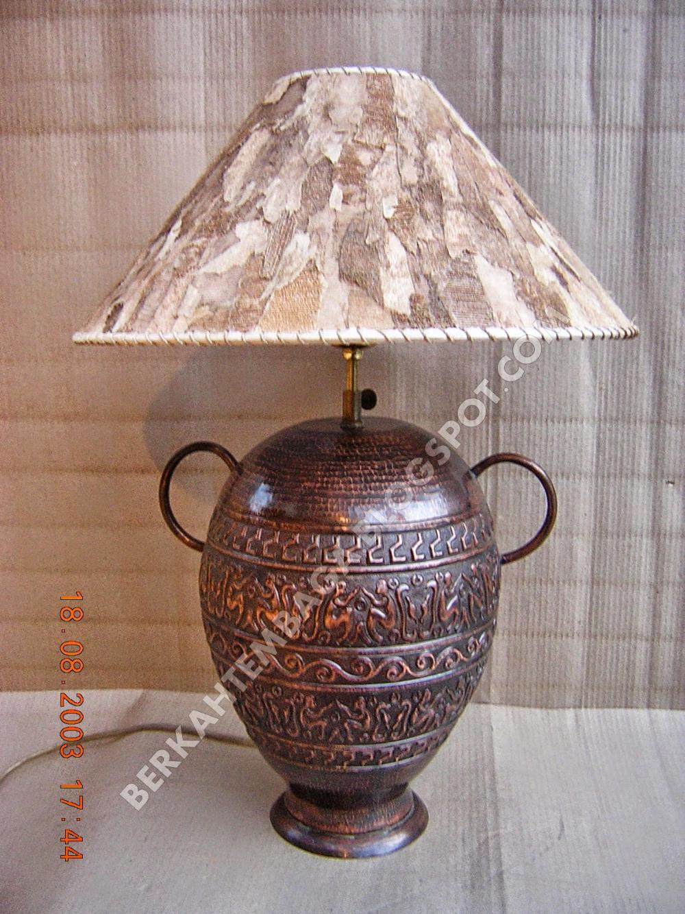 KERAJINAN LAMPU TEMBAGA DAN KUNINGAN Lampu meja, Tembaga