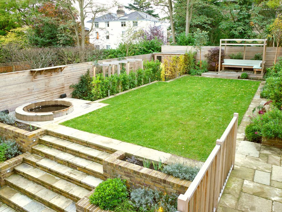 Outdoor living space round hot tub small backyard ideas for Garden design ideas victorian terrace