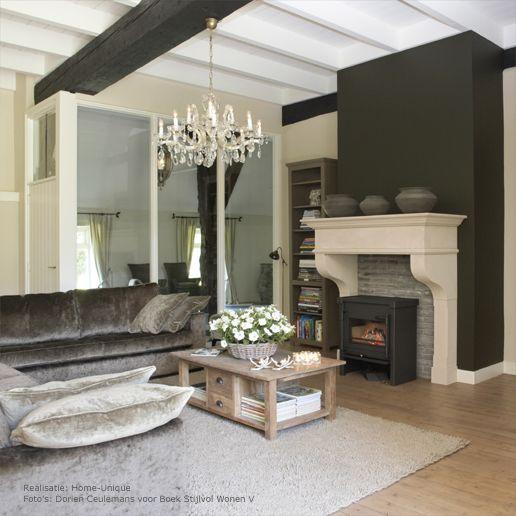 taupe kleur. - Woonkamer | Pinterest - Interieurontwerp, Balken en Haard