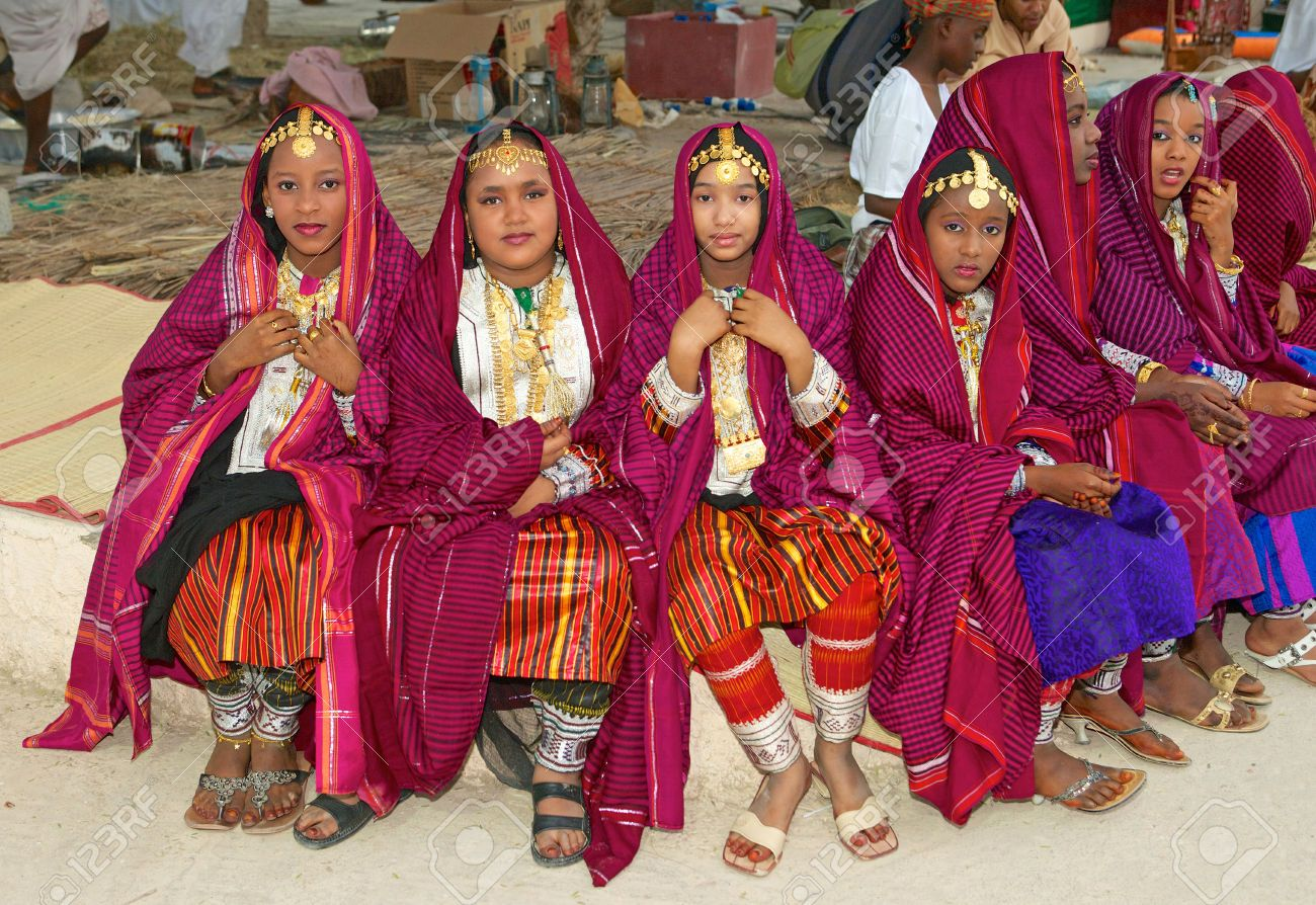 Image Result For Oman People And Culture Omani Oman Traditional Outfits